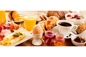 Śniadanie białkowo tłuszczowe vs białkowo węglowodanowe?