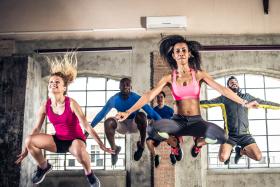 Ćwiczenia na trampolinie - na czym polegają i co dają