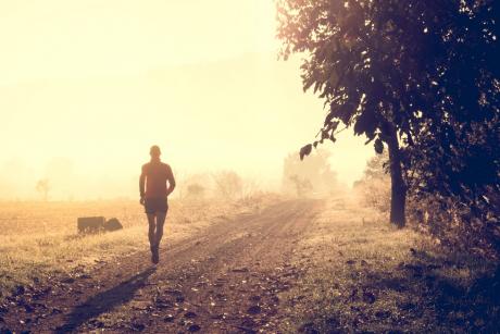 Posiłek dla biegacza o co powinien jeść biegacz przed i po treningu?