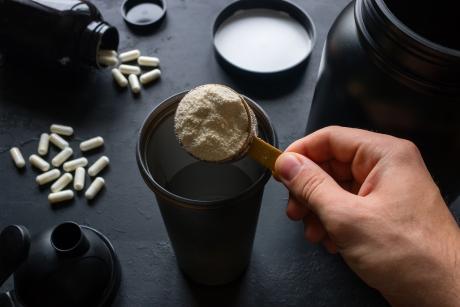 Ile białka należy spożywać po treningu?