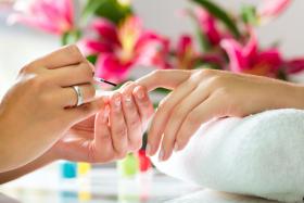 Jakie zabiegi na zdrowie paznokcie